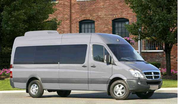 GC-10E roof-mounted air conditioner for van and minibus